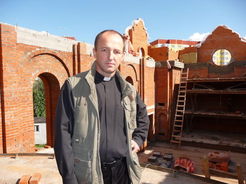 Budowa kościoła w Surgucie na Syberii